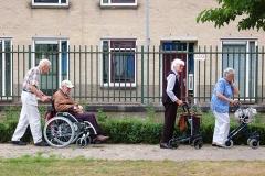 Bewoners-Antoniegaarde-op-bezoek